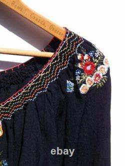 BETSEY JOHNSON Vintage Black Crepe Embroidered Mexican Bella Peasant Top P