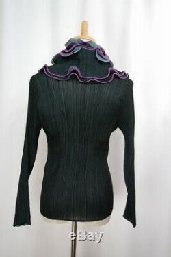 ISSEY MIYAKE FETE Green Pleats Long Sleeve Top 228 3506