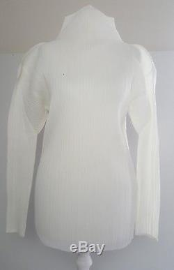 Immaculate! Issey Miyake Pleats Please white sculpted long sleeved top