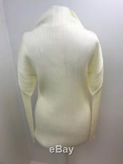 Issey Miyake Pleats Please Ivory sculpted long sleeved top. Sz 3 Uk 12/14/16