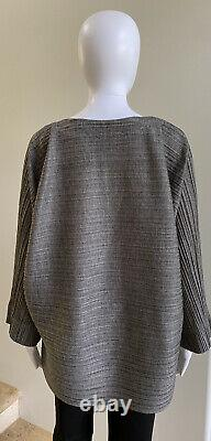 NWOT PLEATS PLEASE ISSEY MIYAKE Gray Knit Long Sleeve Top Tunic Blouse Size 5/XL