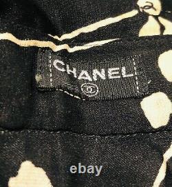 Vintage CHANEL Paris Black White 100% Silk Camellia Flower Womens Blouse Top